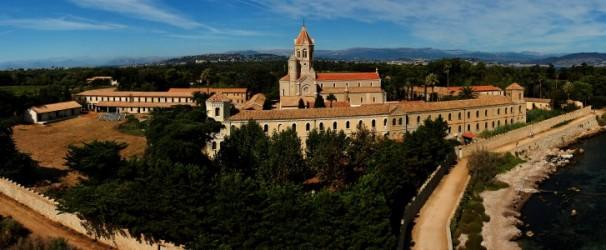 Visitez 12 endroits incontournables sur la Côte d'Azur. Ici l'Abbey de Lérins.